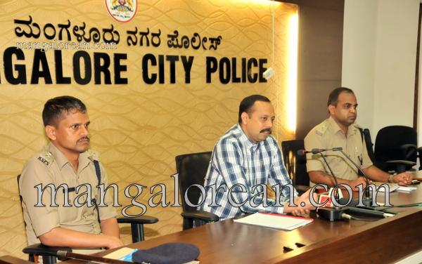 Commissioner-press-meet-Moodbidri-murder-18102015 (4)