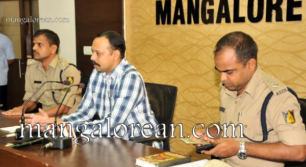 Commissioner-press-meet-Moodbidri-murder-18102015 (40)