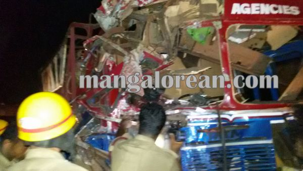 gastruck_goodtruck_accident_Udupi 22-10-2015 23-55-52