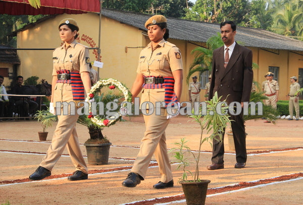 police _Martyrs' Day_udupi 21-10-2015 08-12-39