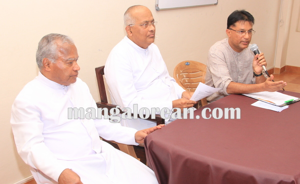 udupi_diocese_press meet 12-10-2015 16-25-08