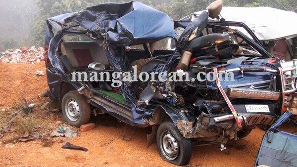 06-03-2016-yellapur-accident