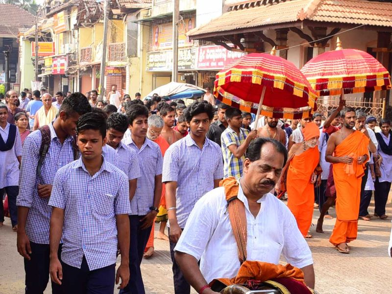 13032016-04-lakshavrkasha-pejawara