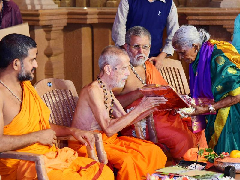 13032016-08-lakshavrkasha-pejawara