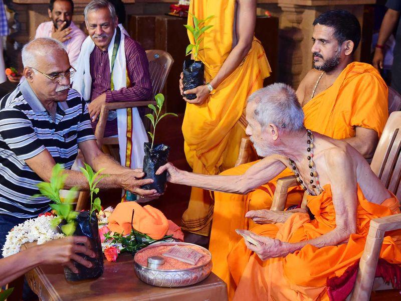 13032016-09-lakshavrkasha-pejawara