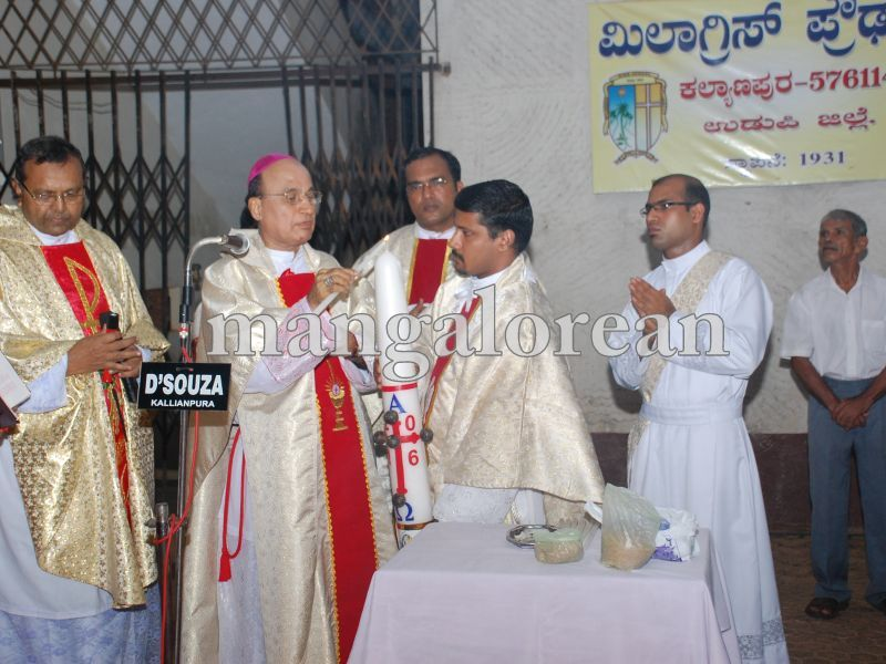 26032016easter-udupi-cathedral-001