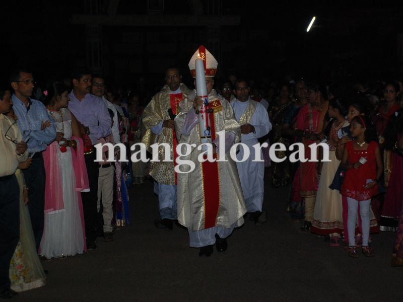 26032016easter-udupi-cathedral-002