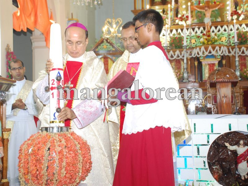 26032016easter-udupi-cathedral-011