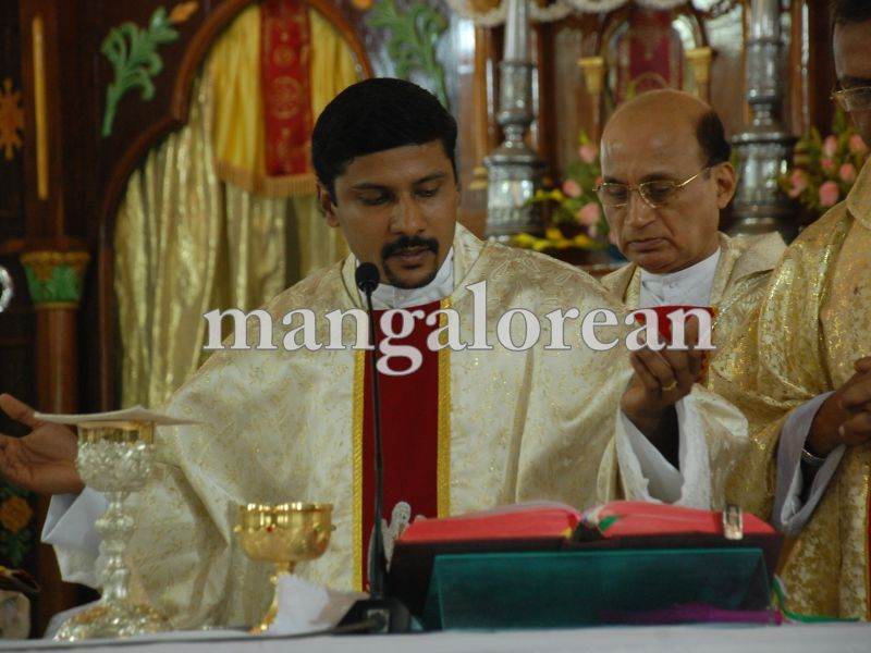 26032016easter-udupi-cathedral-016