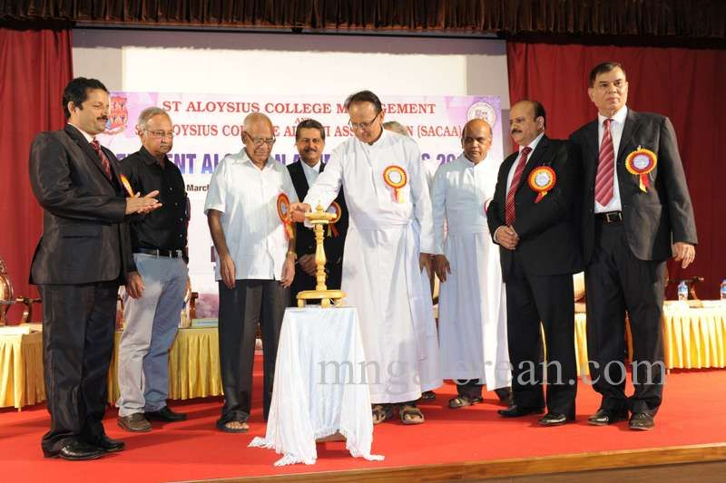 image001aloysian-alumni-award-20160320-001