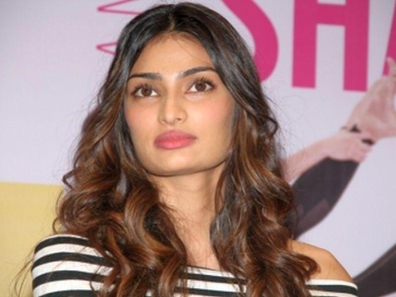 image001athiya-shetty-actress-20160320-001