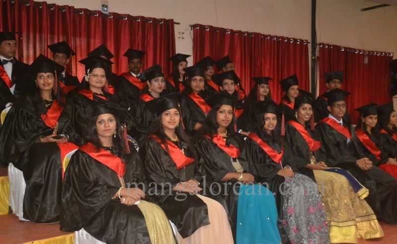 image002aj-hospital-graduation-20160319-002