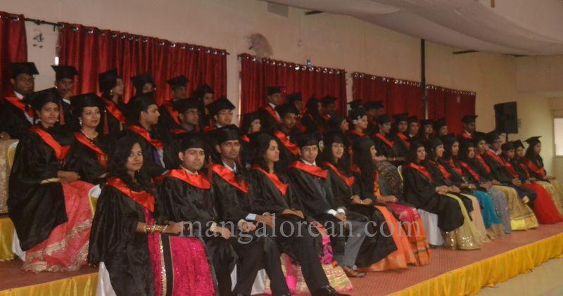 image003aj-hospital-graduation-20160319-003