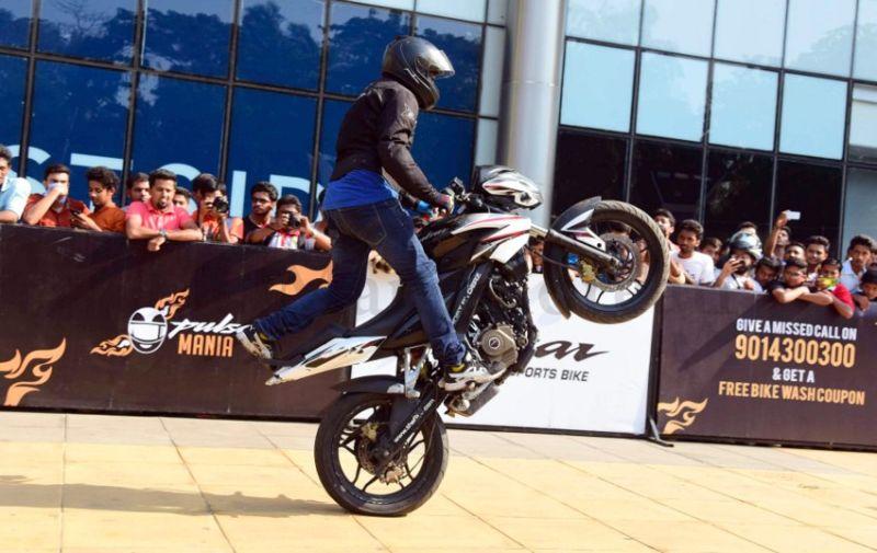 image003bike-stunts-27032016-003
