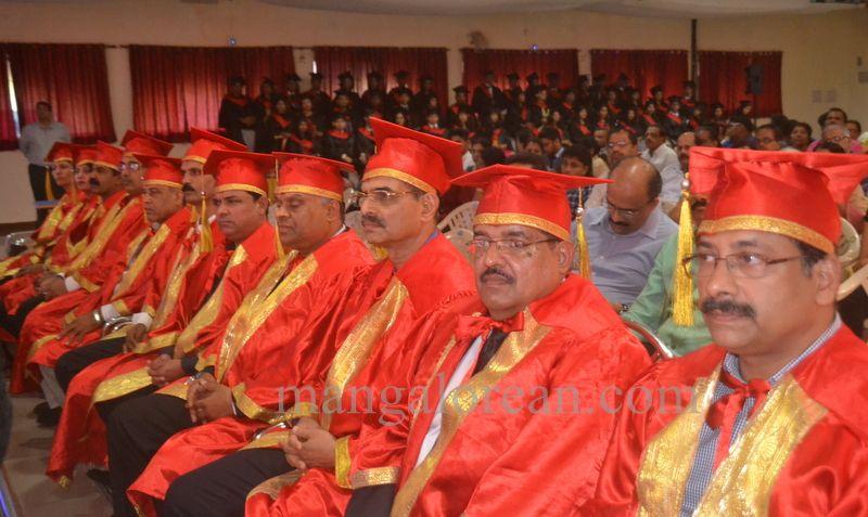 image004aj-hospital-graduation-20160319-004