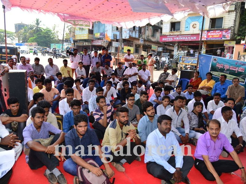 image004yettinahole-hunger-strike-20160317-004