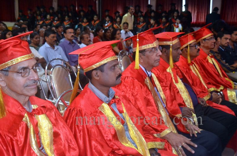 image005aj-hospital-graduation-20160319-005