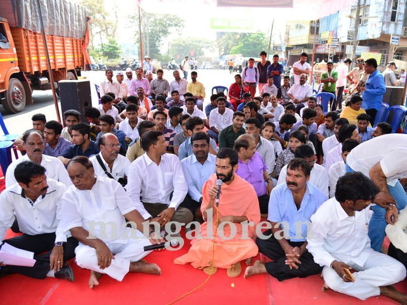 image007yettinahole-hunger-strike-20160317-007