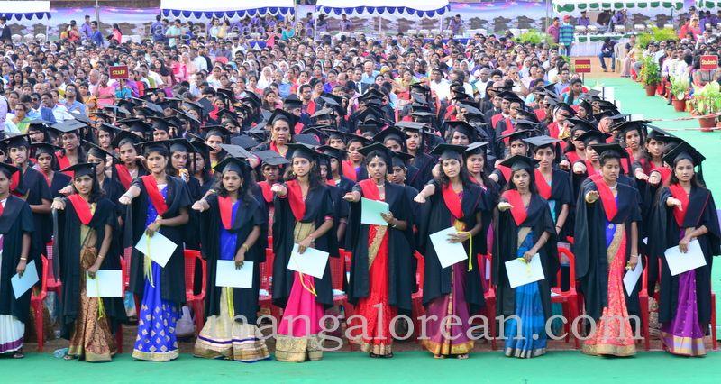 image008frmuller-graduation-20160313-008