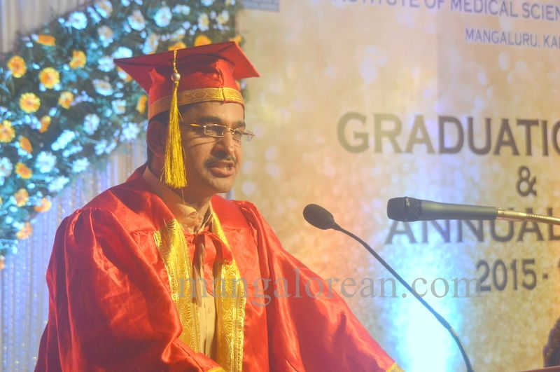 image009aj-hospital-graduation-20160319-009