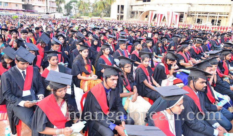 image013frmuller-graduation-20160313-013