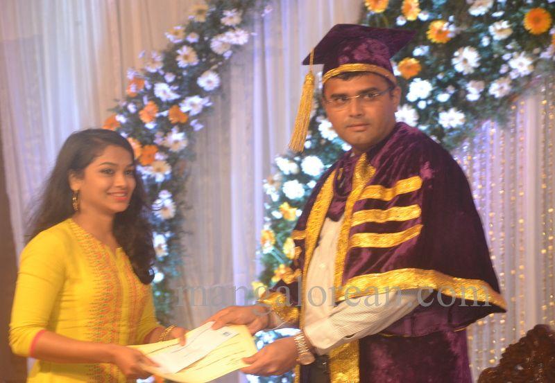 image021aj-hospital-graduation-20160319-021