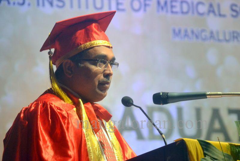 image026aj-hospital-graduation-20160319-026