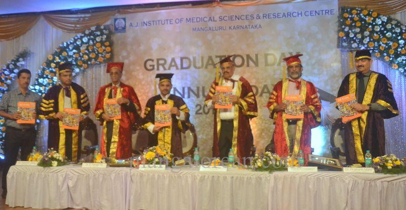 image030aj-hospital-graduation-20160319-030