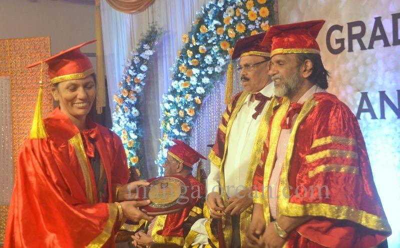 image031aj-hospital-graduation-20160319-031