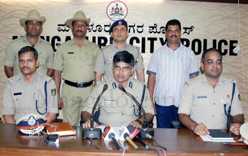 jayananda-murder-accused-arrest-20160320 (5)