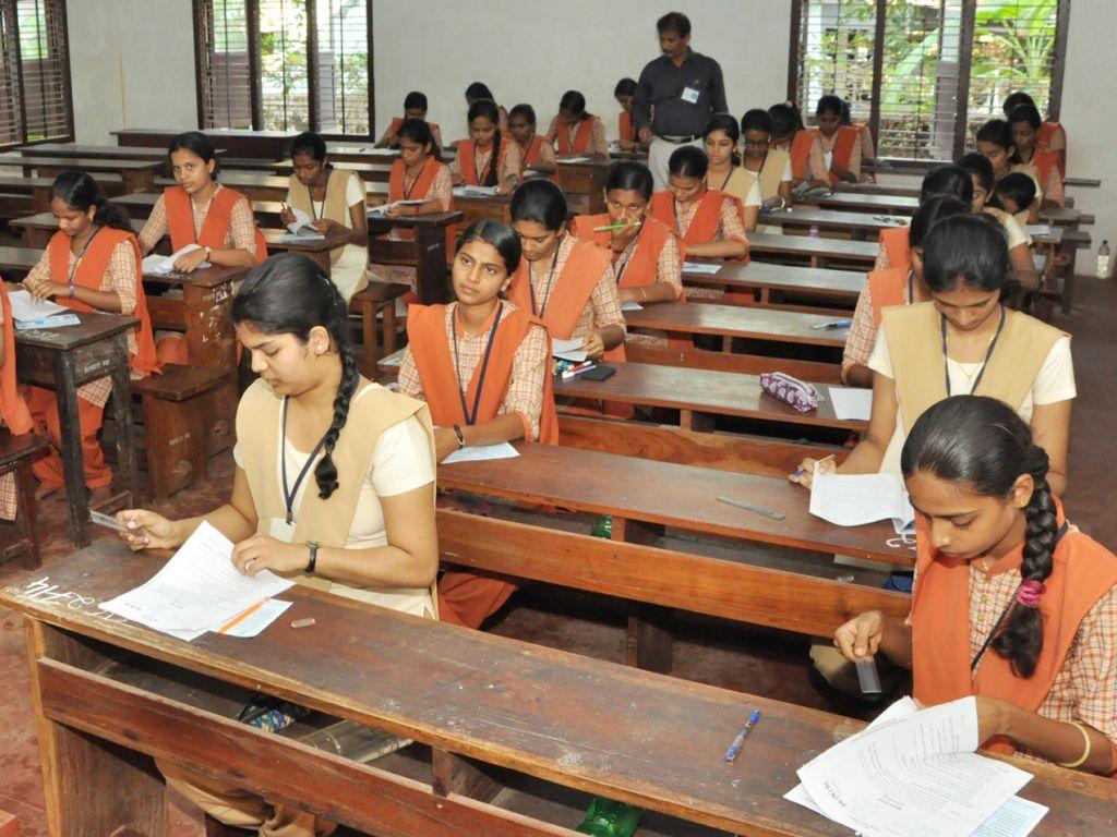 puc-exams-01-11032016