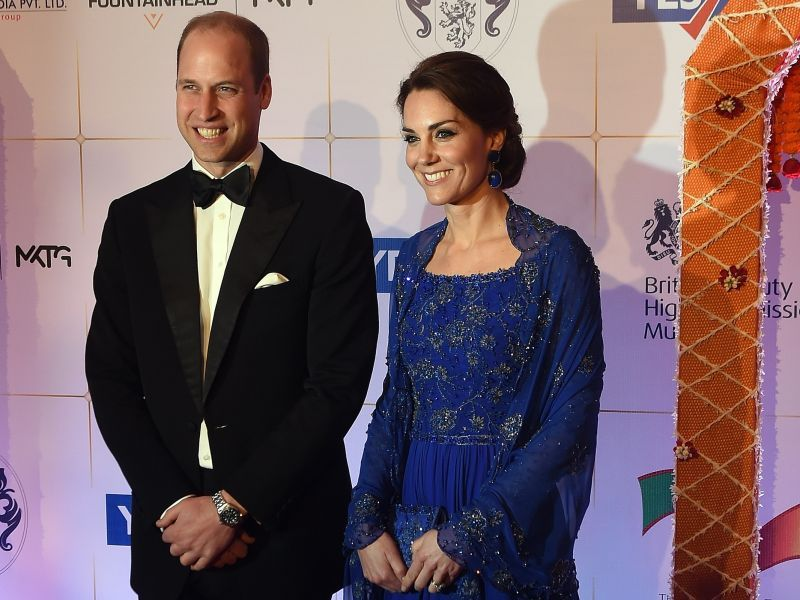 image001kate-william-british-royals-20160411-001