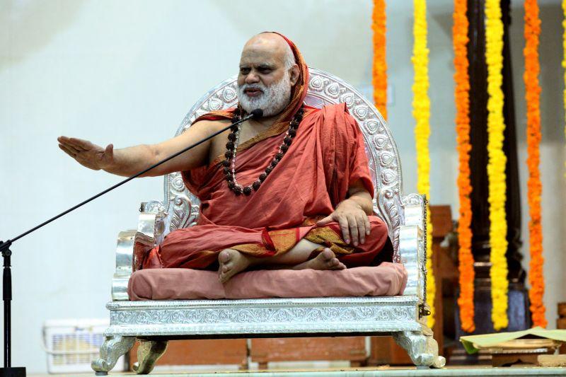 image001sringeri-swamiji-dharmasthala-20160423