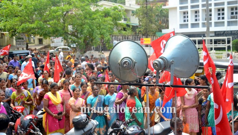 image002beedi-workers-protest-20160412-002