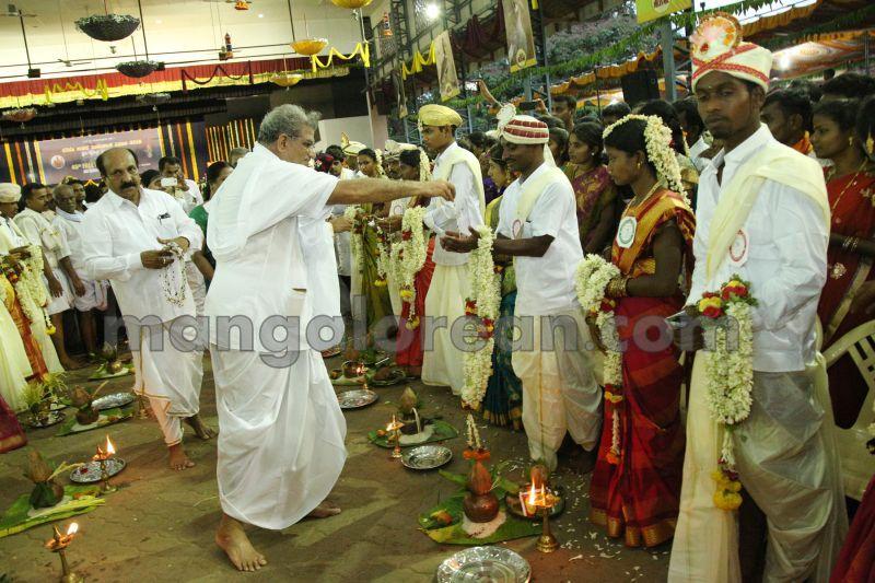 image002mass-marriage-dharmasthala-20160429