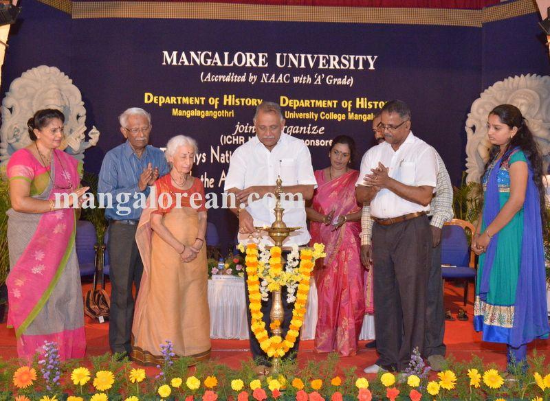 image002national-seminar-university-college-20160412-002