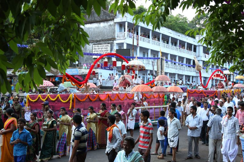 image003sringeri-swamiji-dharmasthala-20160423