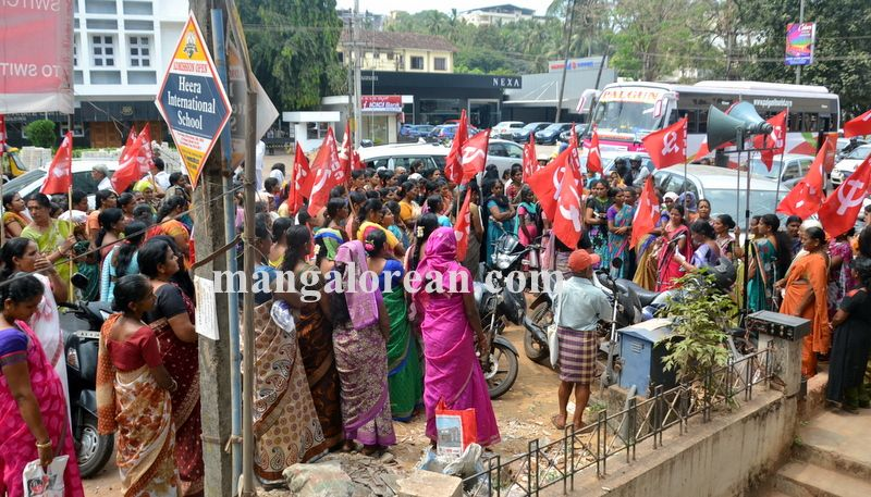 image004beedi-workers-protest-20160412-004