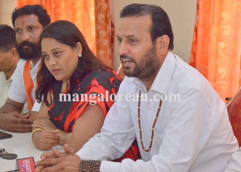 image007hindu-maha-sabha-pressmeet-20160411-007