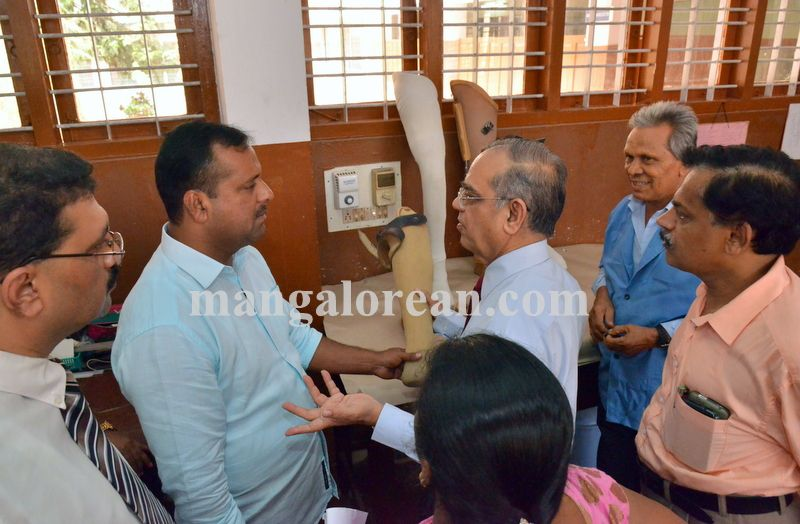 image007wenlock-physiotherapy-minister-khader-20160419-007