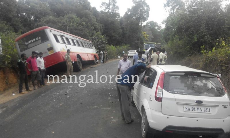 image009accident-car-ksrt-bus--20160402-009