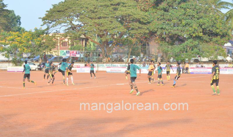 image012football-nehrumaidan-20160414--012