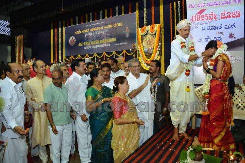 image015mass-marriage-dharmasthala-20160429