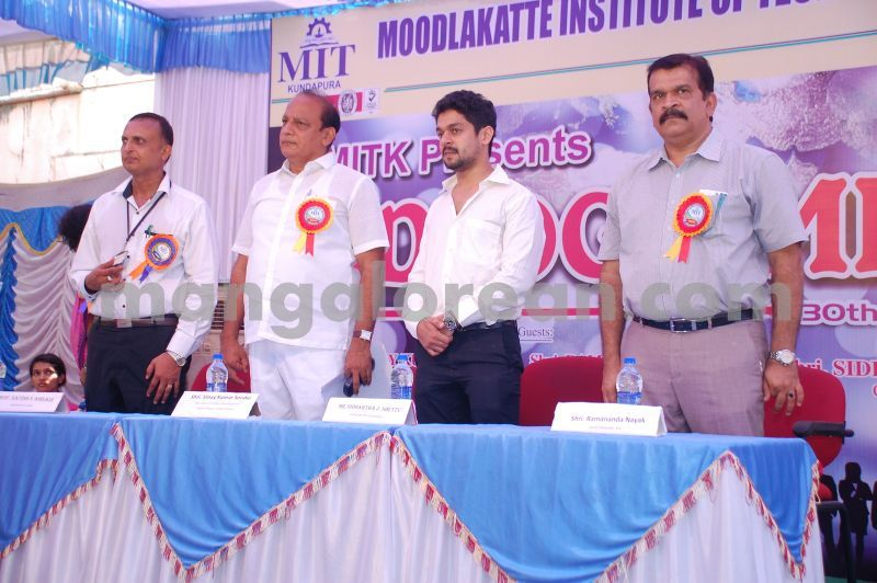 image016mitk-job-fair-20160430