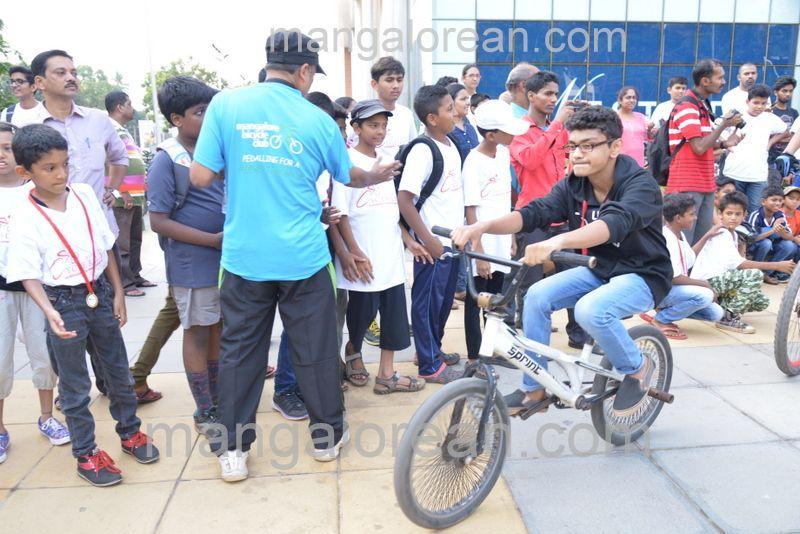 image018cycle-rally-20160403--018