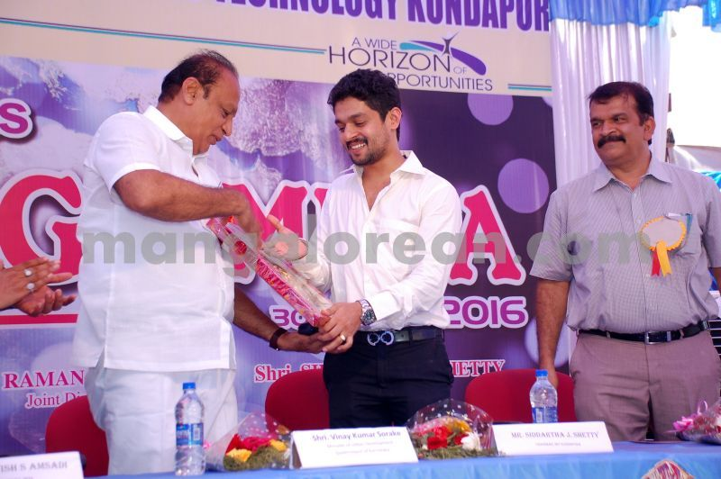 image026mitk-job-fair-20160430