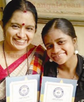 Mother-and-Daughter-Anuradha-Anusha (1)