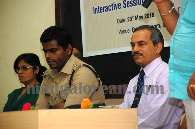 image001interaction-auto-driver-police-udupi-20160520