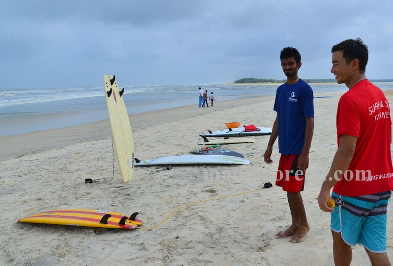 image001surfing-tannir-bavi-beach-020160522-001