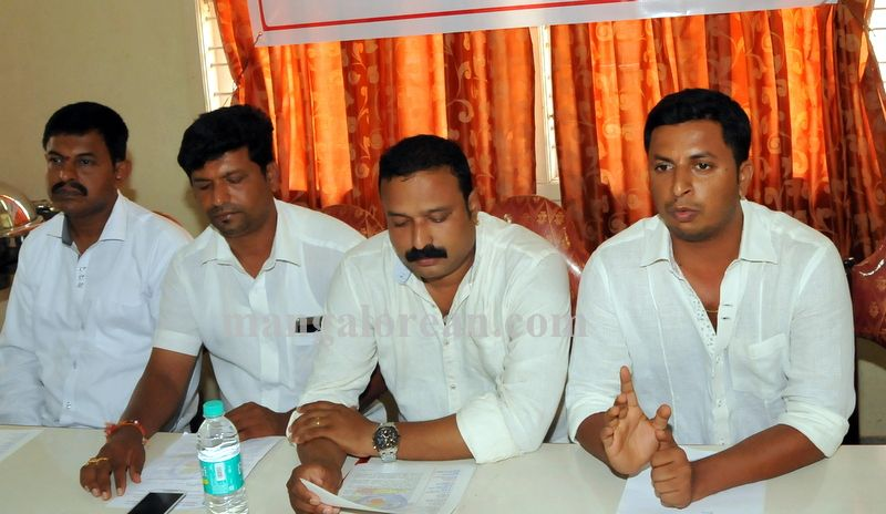 image002lorry-owners-pressmeet-020160506-002
